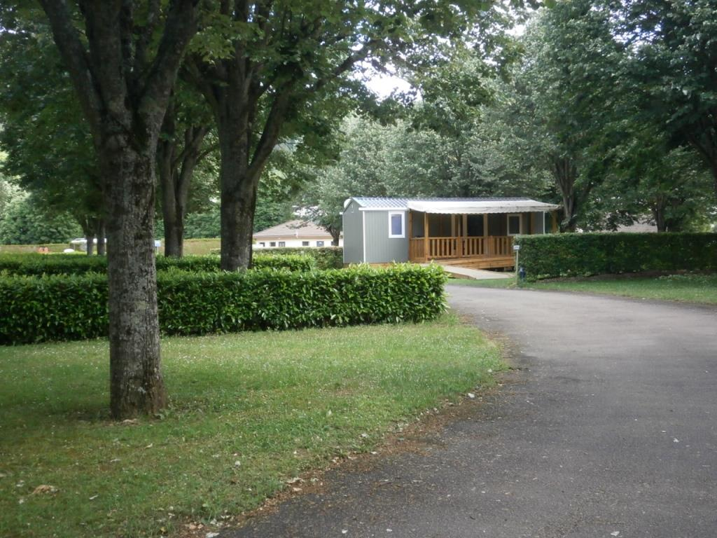 mobilhome camping montbard