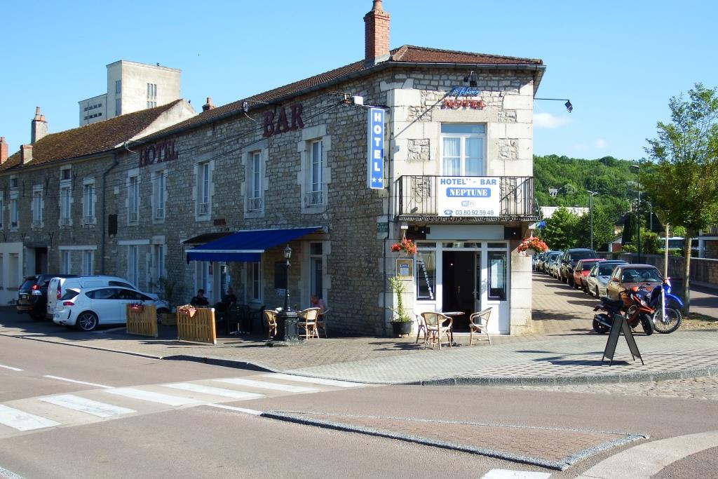 Bar Statom Montbard